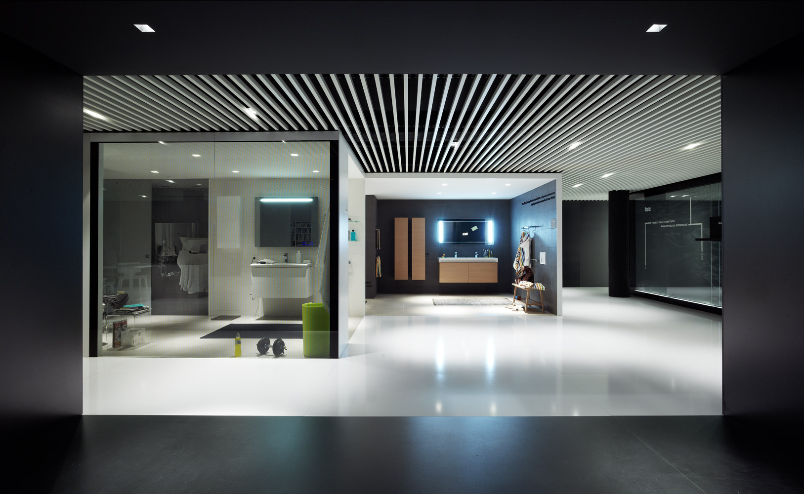 Francesc rif studio showroom roca turquesa for Roca showroom