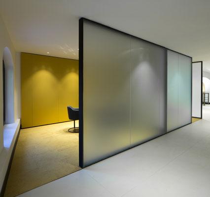 Francesc rif studio offices caixabank zaragoza for La caixa oficinas zaragoza